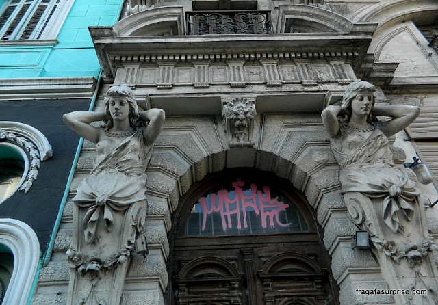 fachada art nouveau no bairro de San Telmo