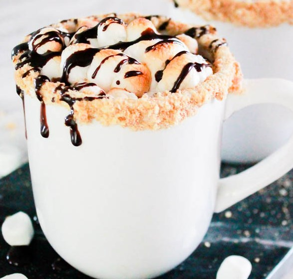 S'mores Hot Chocolate #drinks #desserts