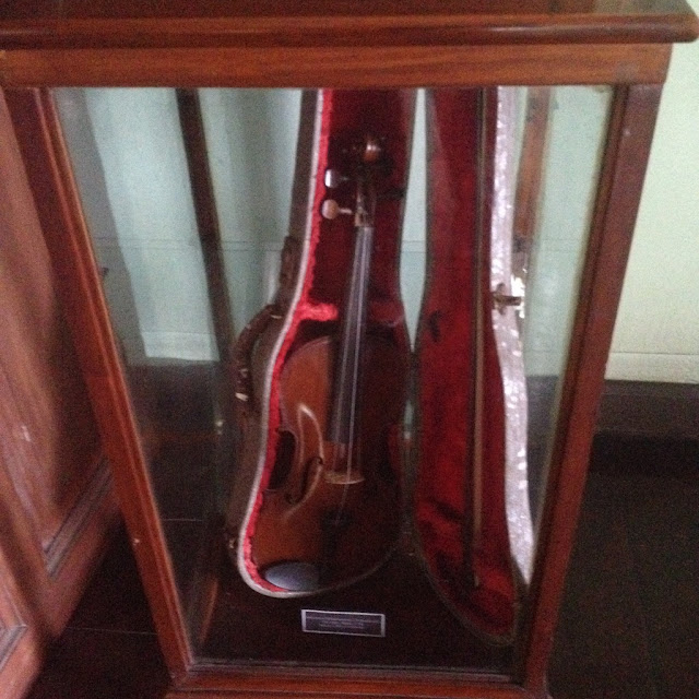 Old violin at the Don Bernardino Jalandoni Ancestral House and Museum