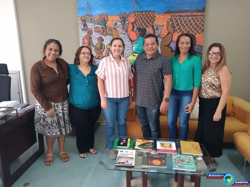 Secretário de Cultura de Óbidos Sávio Ricarte está na capital do estado se reunindo com autoridades do governo em busca de melhorias para cultura obidense.