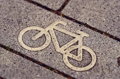 Tips keselamatan saat bersepeda dijalan umum