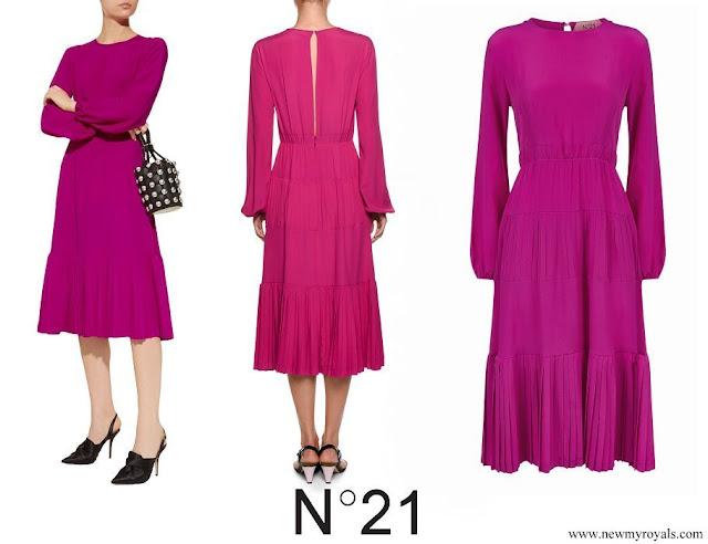 Crown Princess Mary wore No 21 Long Sleeve Pleated Midi Dress