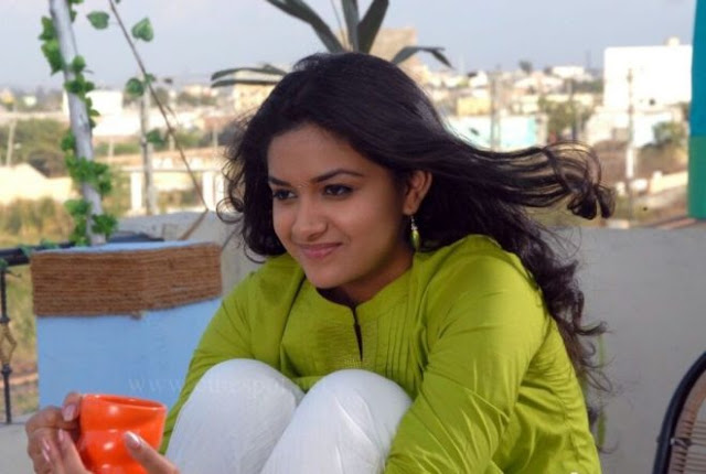 Telugu Actress Keerthi Suresh HD Wallpapers