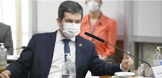 """ASSISTA! Randolfe Rodrigues: """"negativa da vacina foi motivada por dinheiro, por corrupção"""""""