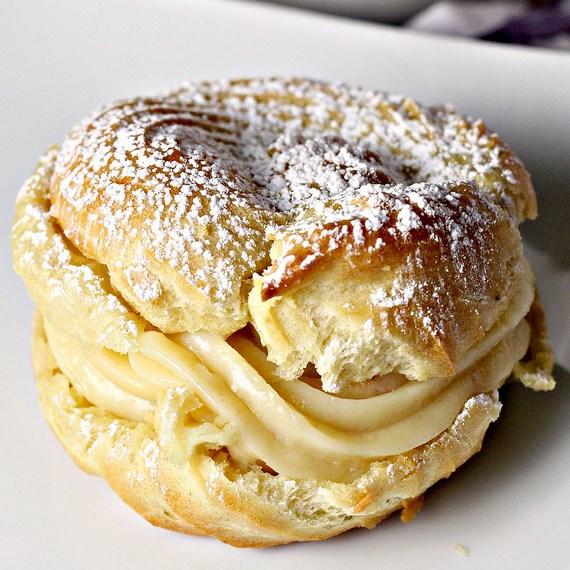 Italian Cream Puffs with Custard Filling (St. Joseph's Day Pastries) #Dessert #Sweet