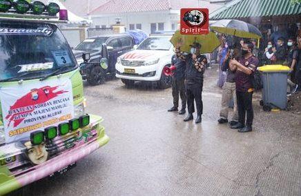 Wagub Lepas Bantuan Kemanusiaan Sulbar di Derasnya Hujan