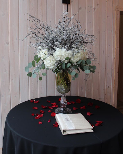 wedding entry table