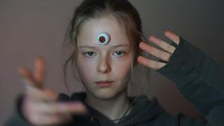 Nika mit mystischem Auge