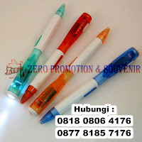 Souvenir pen senter untuk perayaan natal anda