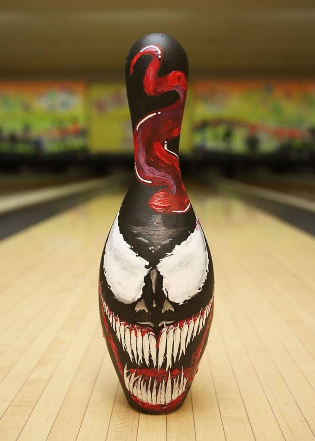 Venom Bowling pin : エイリアン・シンビオートに寄生されたヴェノム・ボウリング・ピン ! !