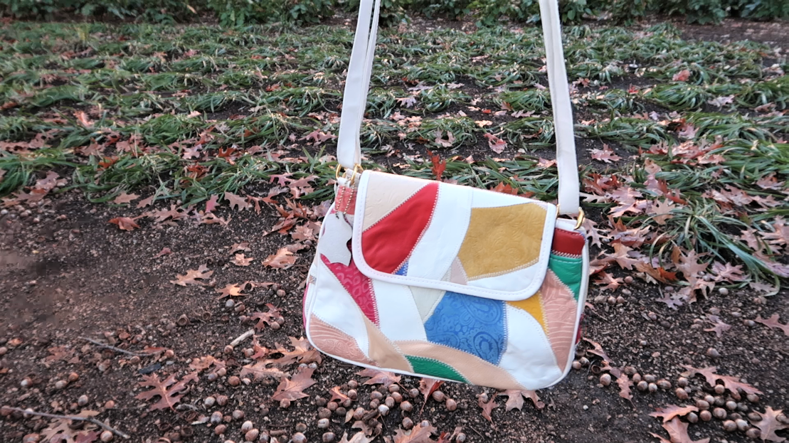 Mod White Patch Purse. Thrift Snooping Thrift with me day