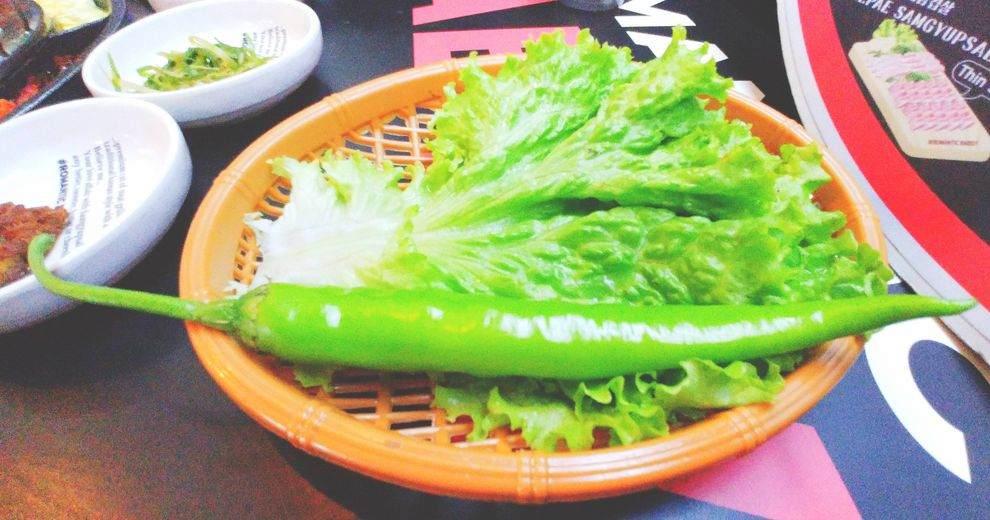 Romantic Baboy fesh lettuce leaves for wrapping grilled meats