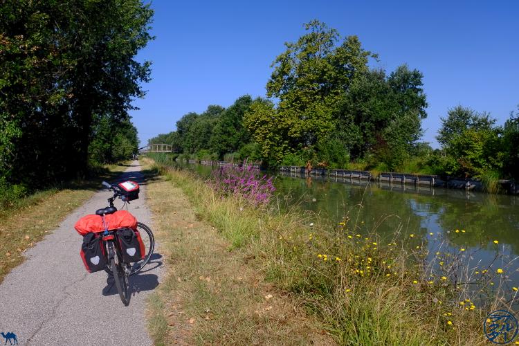 Le Chameau Bleu - Blog Voyage Canal des deux mers à Velo  - Périple en vélo sur le canal des 2 mers