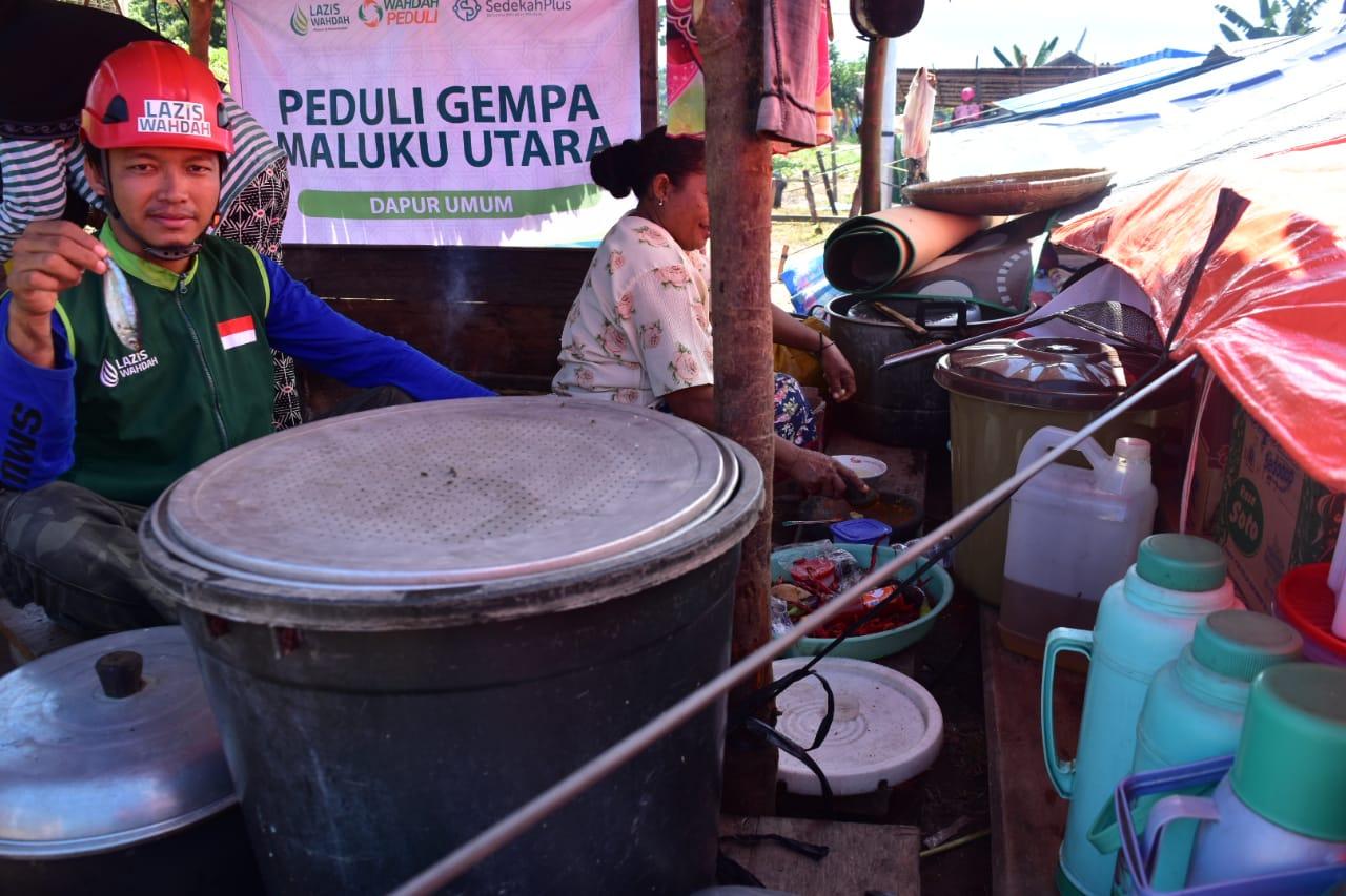 LAZIS Wahdah Bangun Dapur Umum Korban Gempa Halmahera Selatan