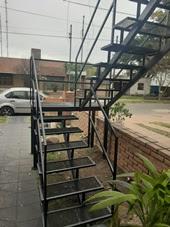 escaleras con descanso