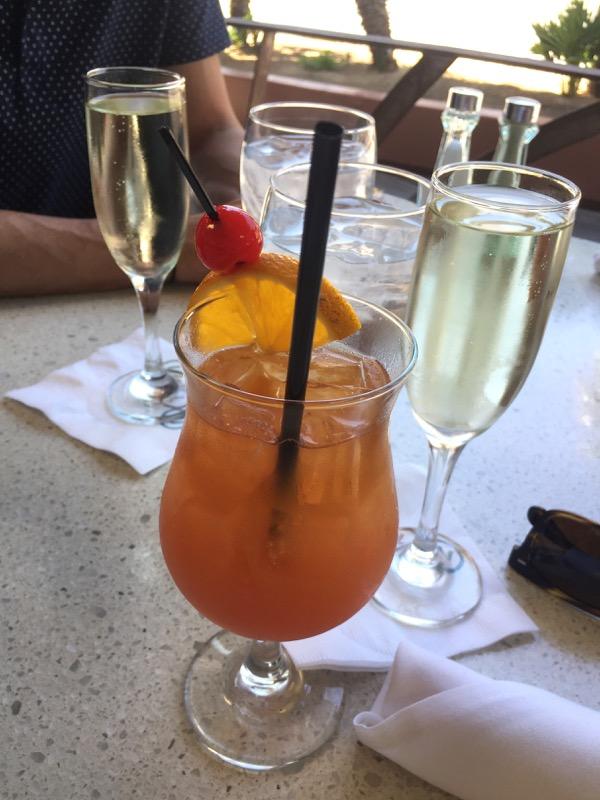 Mai Tai cocktails prosecco