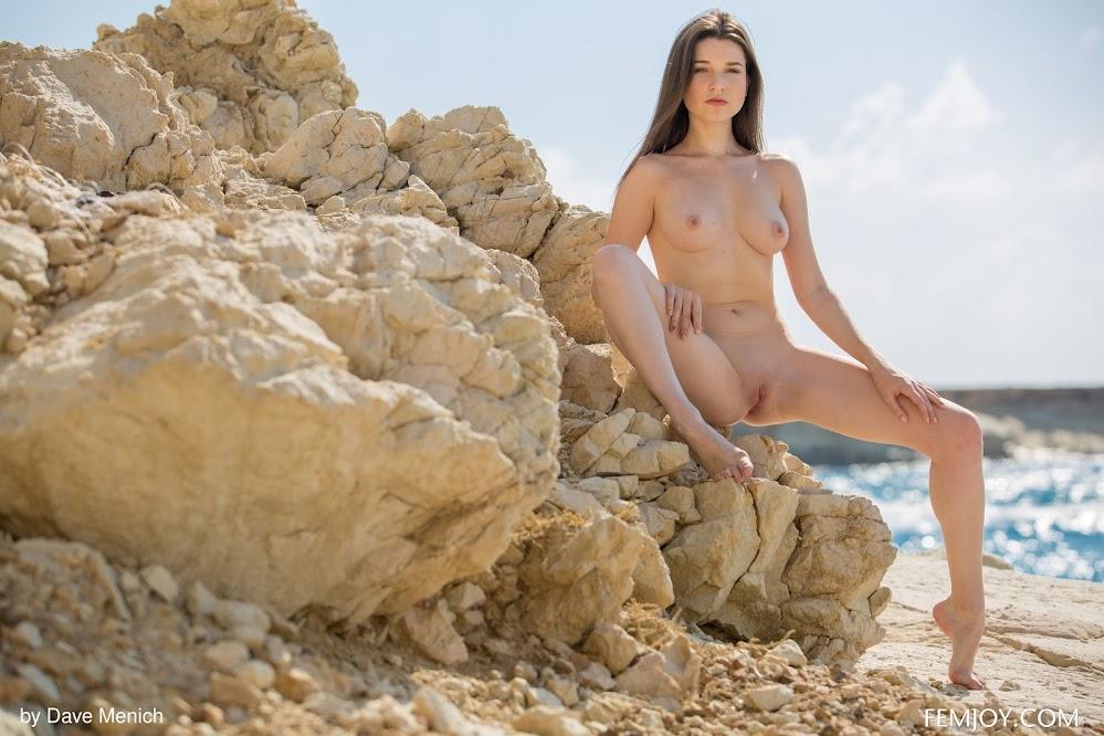 FemJoy Serena J Get Naked - idols