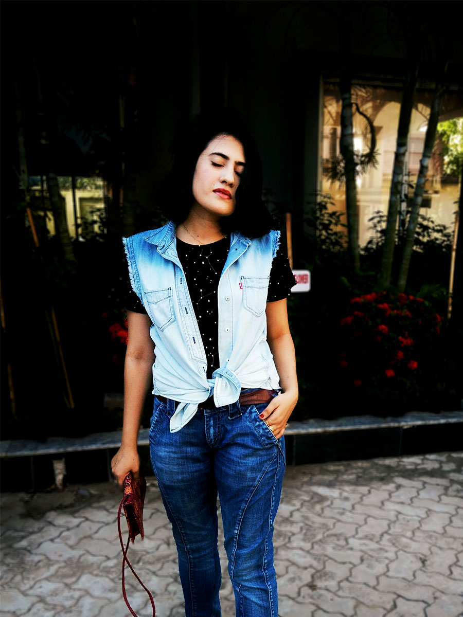 MangoblackstarprintTshirt, MangofrayedhemJeans ,Levi's Denim Vest, styleblogger,