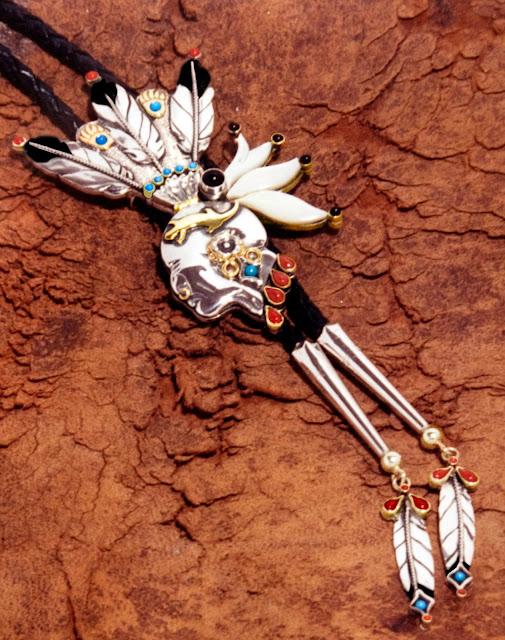 Chief Pontiac bolo tie by ZahaawanArt trouwringen design.