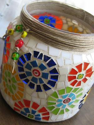 Como fazer mosaicos com louça e cerâmicas quebradas