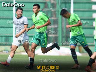 Pedro Tomichá después de convertir el segundo gol de Oriente Petrolero ante la Sub 23 de Bolivia - DaleOoo