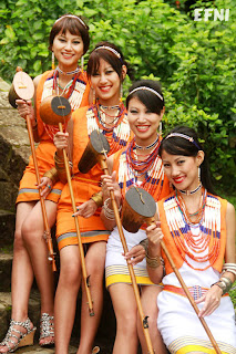 Tetseo Sisters - EF News International