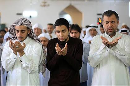 Bacaan Doa Qunut Lengkap Disertai Arab, Latin dan Artinya