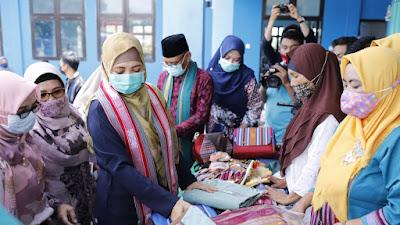 Lapak Desa Pringgasela Diresmikan, Tingkatkan Promosi dan Pemasaran Tenun Khas Lombok