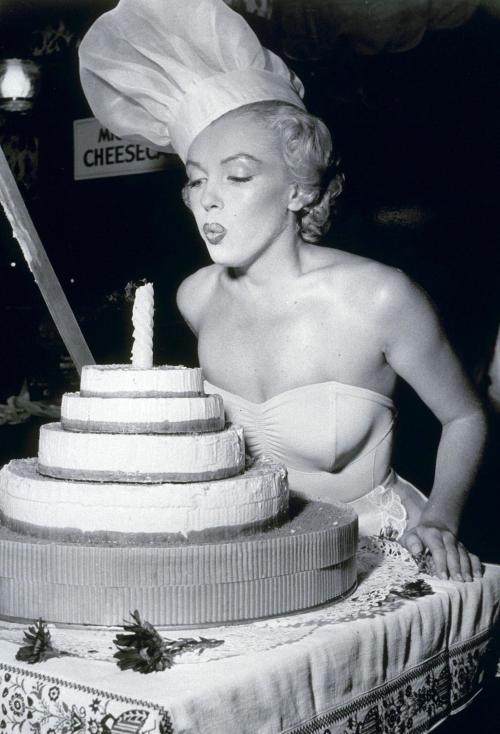 Revolving Styles Vintage: Happy Birthday, Marilyn Monroe