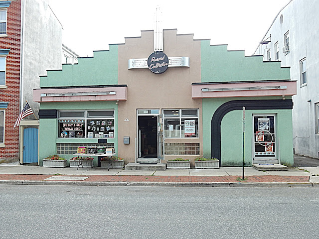 Record Collector - Bordentown NJ - store front