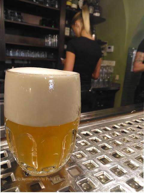 Cata de Cerveza en el Museo de la Cervecería, Pilsen www.recomiendoblog.com foto con copyright autor Pola para RECOMIENDO BY POLA & CLEME