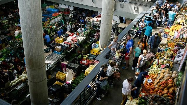 Altos precios sorprenden a venezolanos que buscan abastecerse en cuarentena