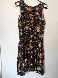 9801928f4 vestido florido de malha, tamanho M