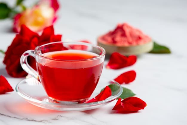 Benefits of rose water for hair and face