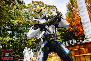 S.H. Figuarts Shinkocchou Seihou Kamen Rider Ixa 34