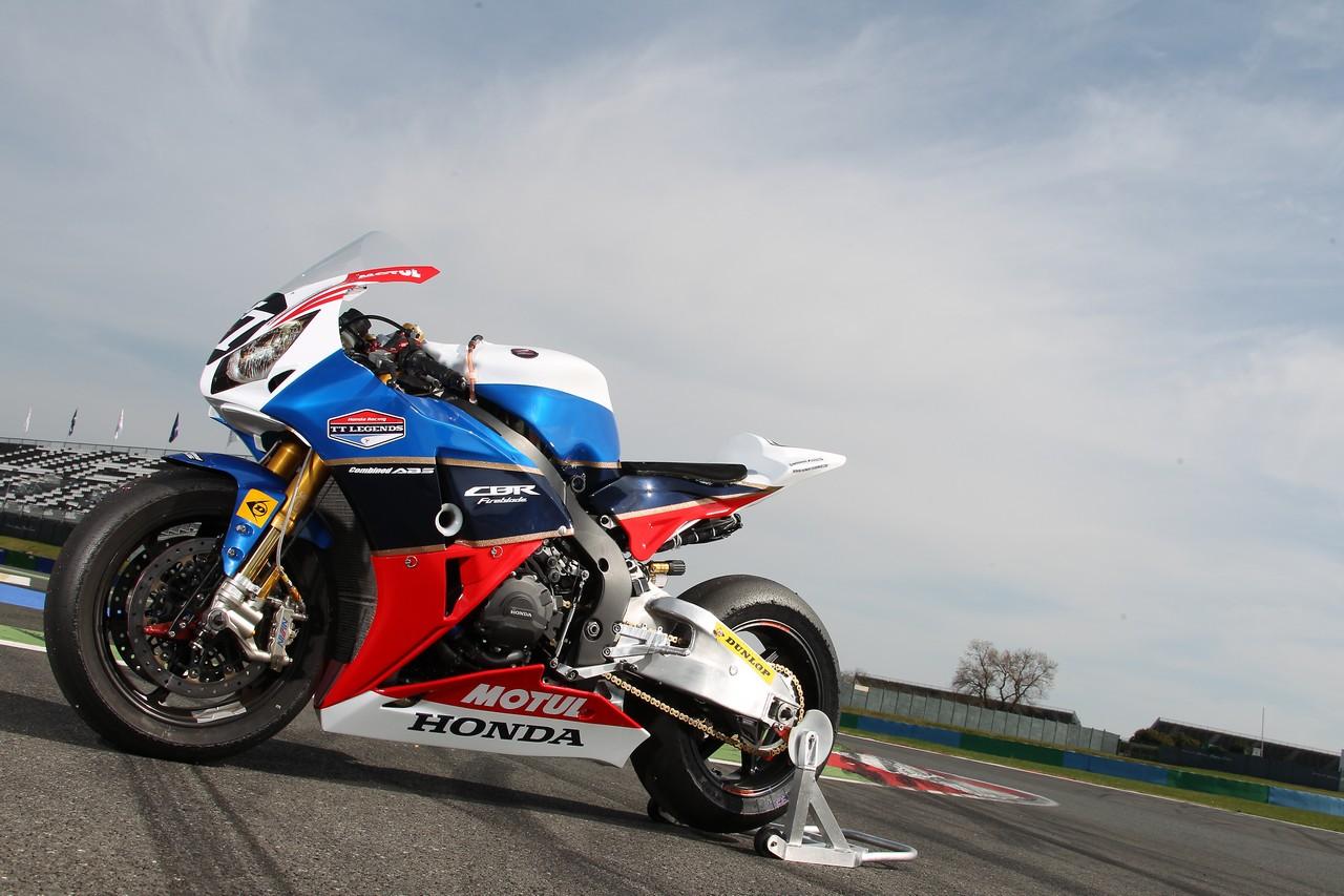 Racing Cafè: Honda CBR 1000 RR Team Honda TT Legends 2012