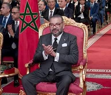 الملك محمد السادس يهنئ المنتخب الوطني المغربي لكرة القدم داخل القاعة إثر فوزه بكأس الأمم الإفريقية 2020