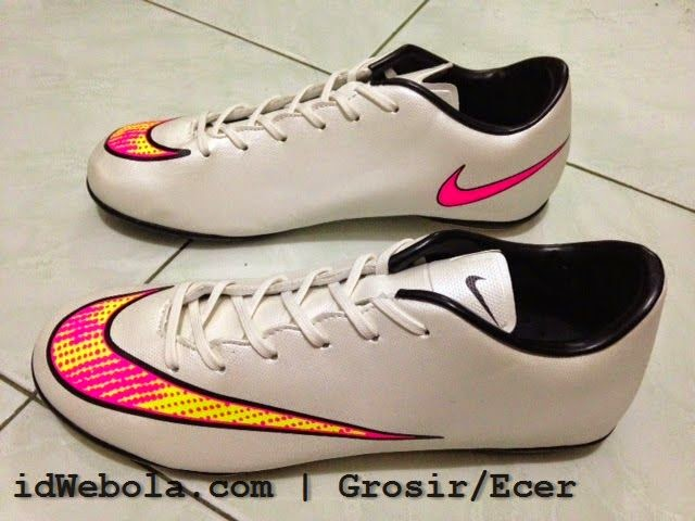Sepatu Futsal Merkurial X - Putih