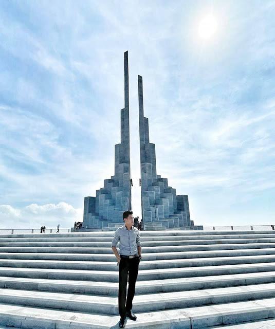 Tháp nghinh phong, review Thap nghinh phong