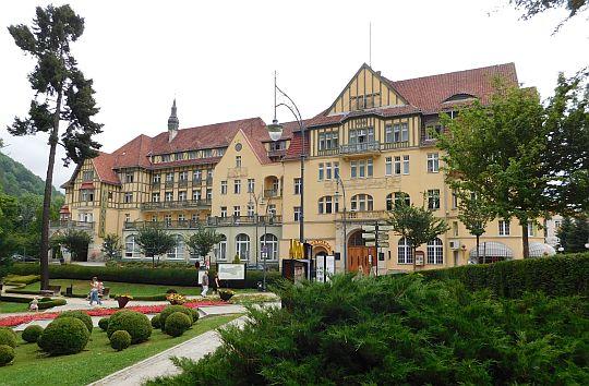 """Dawny Hotel """"Fürstenhof"""", obecnie szpital uzdrowiskowy """"Polonia""""."""
