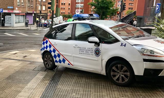 vehículo policía local de Barakaldo