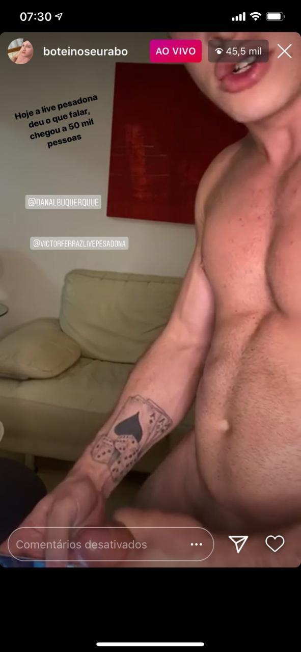 Ator pornô gay se exibe em live explícita no Instagram e causa na web.