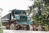 Raritäten auf dem Weg! Riesiger Kipper Truck Malaysia