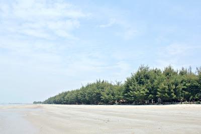 Pesona Pantai Balongan Kragan Rembang