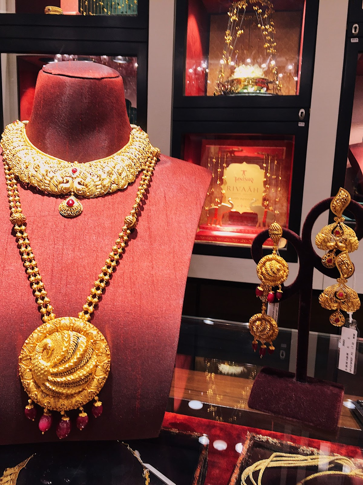 Stunning wedding jewellery for every indian Bride Rivaah by