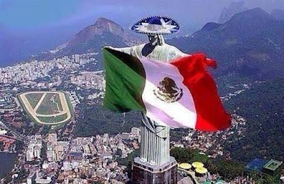 Sejarah Meksiko    Perekonomian Meksiko kaya akan minyak bumi, merupakan Negara ke-10 penghasil minyak bumi, berkembang cukup pesat, Meksiko mampu meningkatkan perekonomiannya dari sector pertanian dan sector industry. Kedua sector itu merupakan penompangperekonomian meksiko, bahkan sector sector industry dan pertambangan jauh lebih besar dari sector pertanian. Meksiko juga mengembangkan sector peternakan. Hubungan dagang dengan negar lain semakin di tingkatkan  Penduduk 1. Sebagian besar tinggal di daratan tinggi tengah yg lahannya subur 2. Penduduk asli meksiko adalah etnis india (suku astek) 3. Sekarang sebagian besar adalah keturunan dengan orang negro disebut Zambo 4. Keturunan orang kulit putih dengan negro disebut mulat 5. Bahasa resmi yg di pergunakan adalah bahasa spanyol     Bahasa   Meksiko adalah rumah bagi penutur bahasa Spanyol dengan jumlah terbesar di dunia. Hampir semua orang Meksiko berbahasa Spanyol, bahasa resmi. Beberapa orang menggunakan bahasa Spanyol dan bahasa ibu. Bahasa asli utama adalah Nahuatl, Maya, Mixteco, dan Zapoteco.   Agama   Konstitusi Meksiko menjamin kebebasan beragama dan beribadah. Lebih dari 75 persen penduduknya memeluk Katolik Roma. Lebih dari 6 persen memeluk Protestan.   Pendidikan   Anak-anak diwajibkan untuk bersekolah selama enam tahun di sekolah dasar dan tiga tahun di sekolah menengah. Siswa yang memenuhi syarat dapat