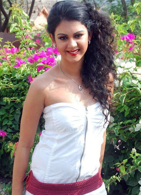 Actress Kamna Jethmalani Hot Photo Stills in White Dress Navel Queens