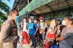 Kapolres Dumai Tinjau 61 WNI Yang Pulang Dari Malaysia