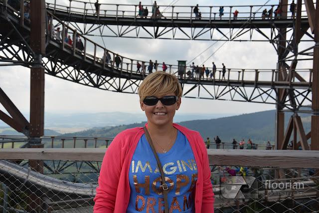 Sky Walk to najnowsza atrakcja ośrodka w czeskiej miejscowości Dolni Morava - podejście z dzieckiem