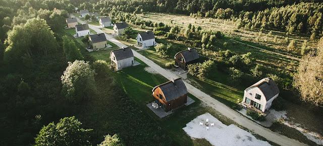 8 magicznych miejsc noclegowych w Polsce, w których chcę spędzić weekend.